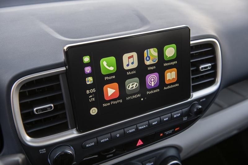 Apple CarPlay/Android Auto、LKA車道保持輔助系統、BCW盲點警示、DAW疲勞警示都有所配備。