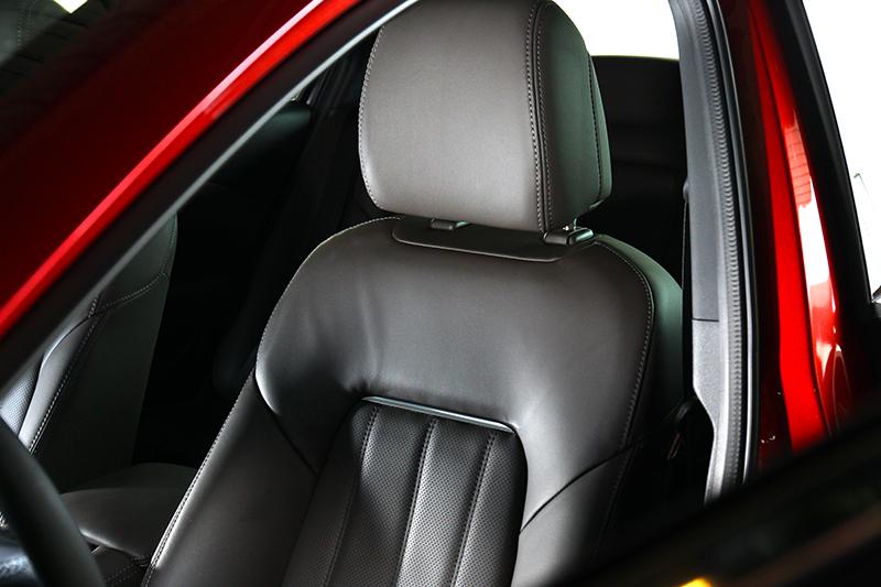 Nappa真皮座椅與通風功能,不僅兼顧舒適質感,在夏日也能坐的涼爽。