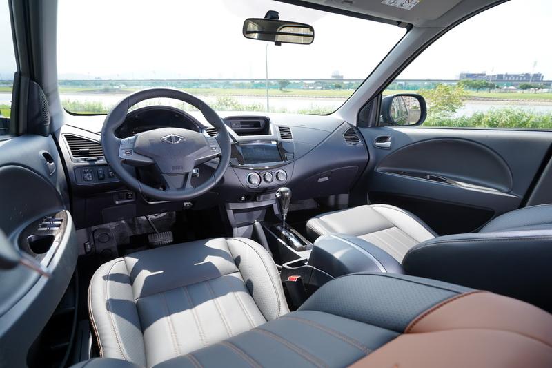 Zinger的轎車化內裝質感一直是它吸引買家的一大特色