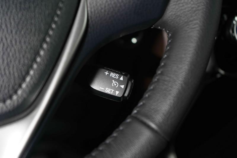 雖然沒有ACC輔助,但至少有定速巡航可稍稍緩解長時間踩踏油門的不便