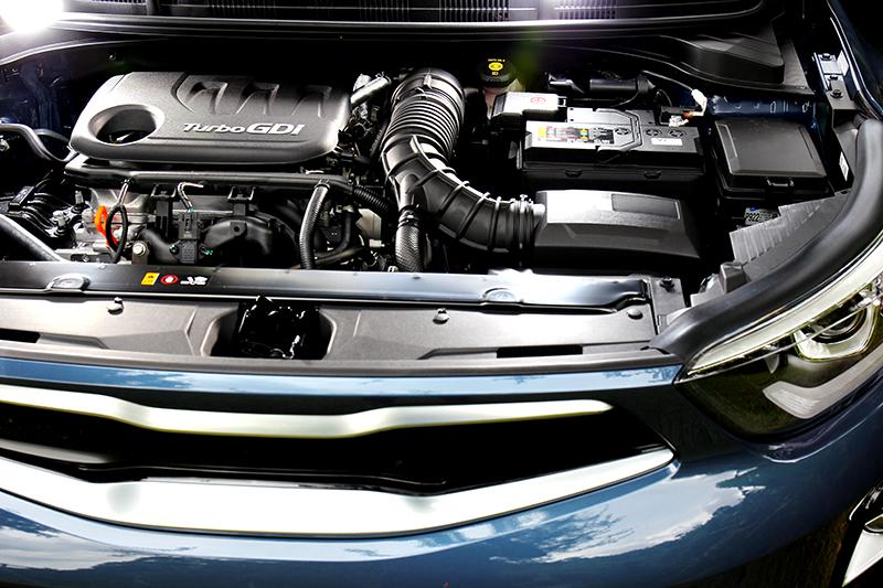 1.0升三缸120hp/17.5kgm動力,在節省稅金同時也兼顧性能實用性。