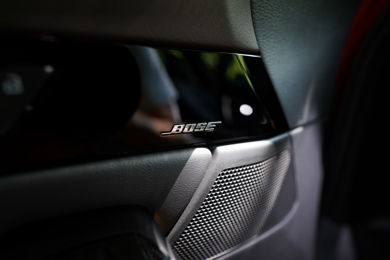 旗艦進化型專屬的BOSE音響系統提供高檔的聽覺饗宴