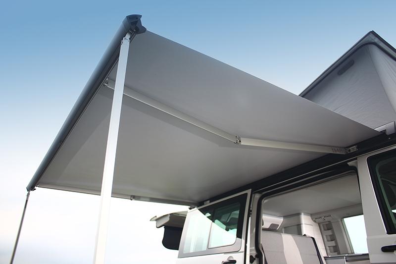 車側遮陽棚也是California車系的招牌。
