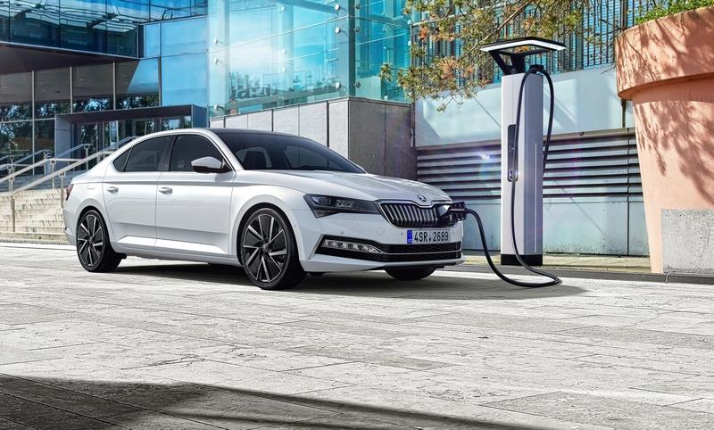 小改Superb最重要就是增加Superb iV Plug-In Hybrid插電式車型。
