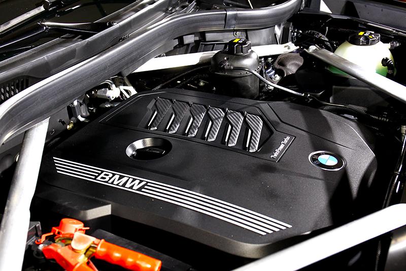 340hp/45.9kgm動力,快慢完全取決於駕駛的右腳。