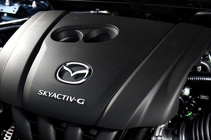 2.0升自然進氣引擎,165hp/21.7kgm動力足以應付該級距族群用車習慣。