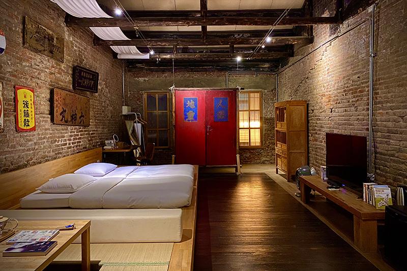 第一晚的民宿位於宮后街,是一幢翻修得極富氣質的老宅。