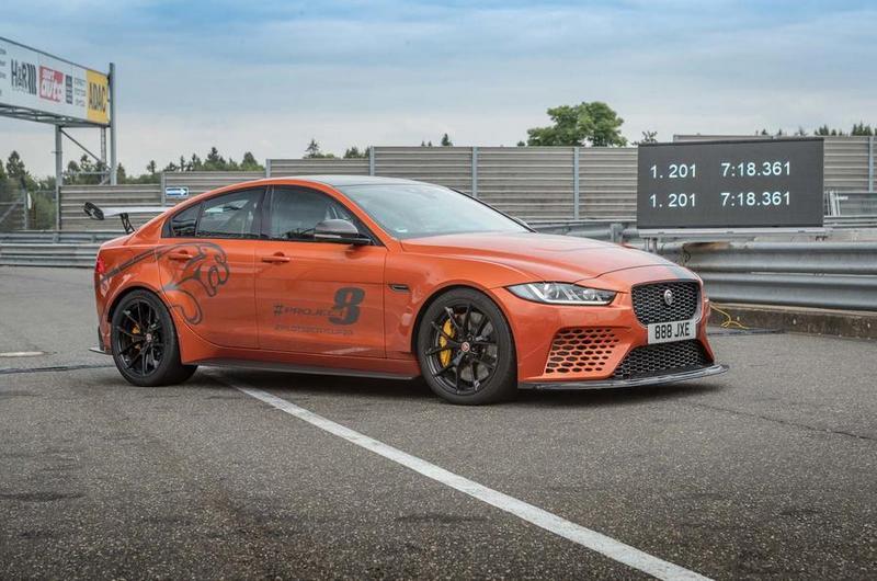 最終Jaguar XE SV Project 8如願以償的以7分18秒361打破自己的紀錄。