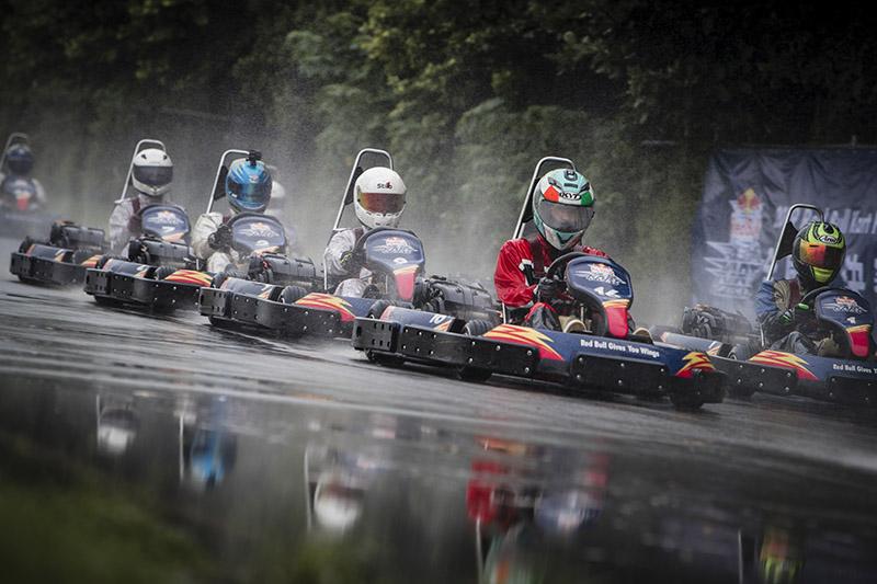 決賽當天間歇性雨勢,讓賽道始終保持濕地狀態,也讓賽事變得更為刺激,對選手的考驗也更大,雨戰的經驗變得非常關鍵。