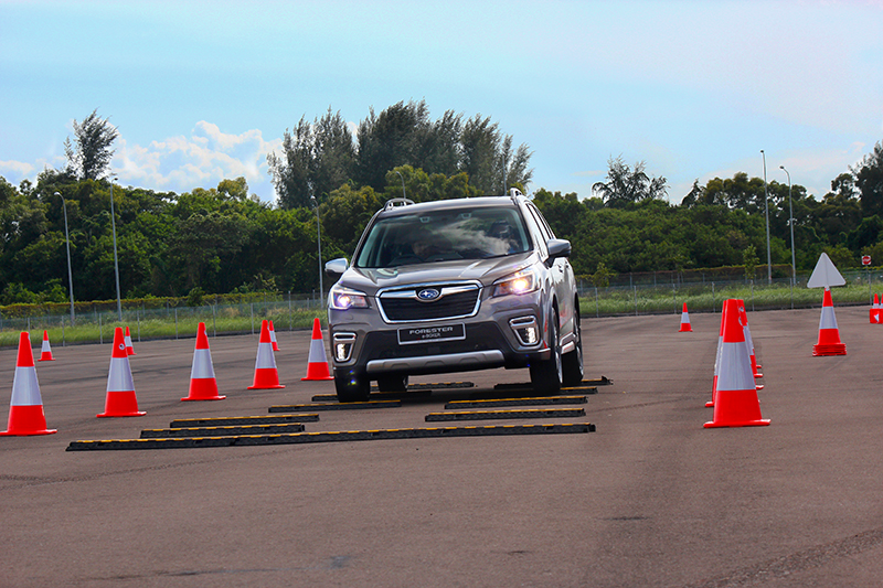 SGP底盤系統讓車輛在行駛崎嶇路面不會產生過多明顯晃動。