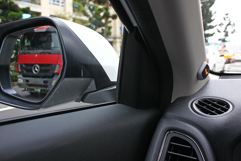 後方快車神出鬼沒好可怕?有了RCW後方快車提示系統,讓駕駛人再也沒有後顧之憂。