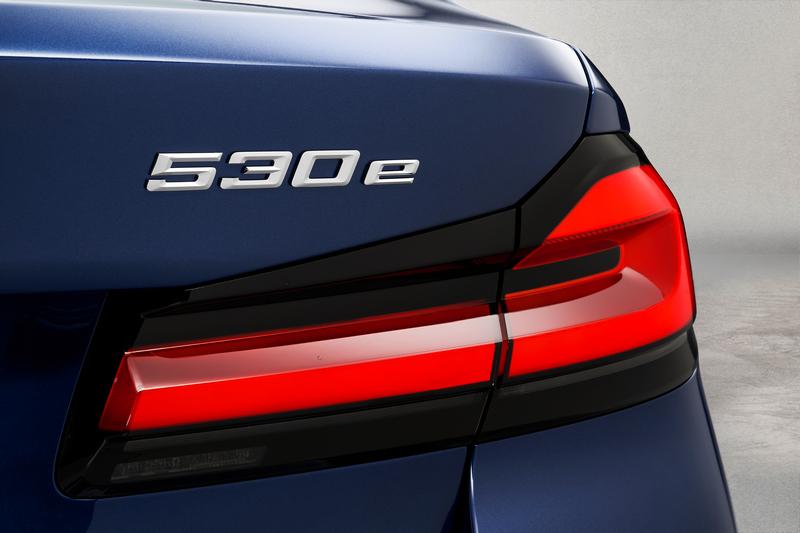 530e由2.0升渦輪引擎與電動馬達組合而成,具有292hp/42.8kgm性能與67公里純電行駛表現。
