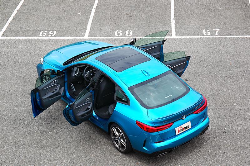 無窗框相當符合跑車應有的設計。