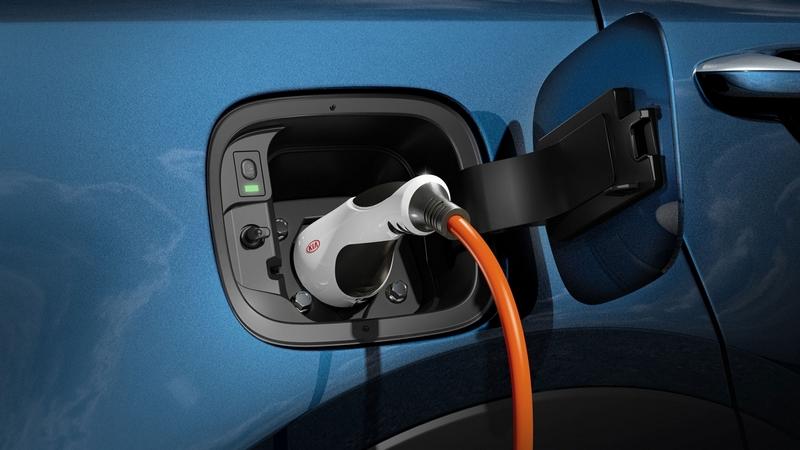 Sorento PHEV動力為1.6升汽油渦輪+電動馬達,擁有265hp/35.7kgm綜效動力。
