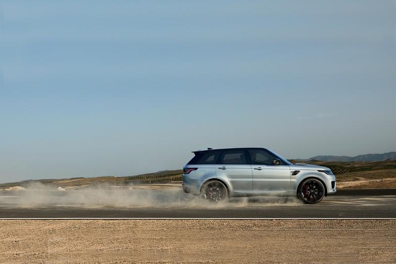 新Ingenium 3.0升V6渦輪引擎除了能降低排放,也讓Range Rover Sport HST有著5.9秒加速成績。