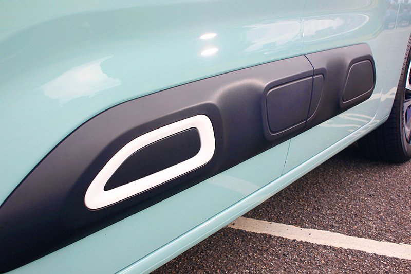 Citroen專屬「Airbump」大面積防撞塑件不僅實用,而且設計得精巧趣緻。