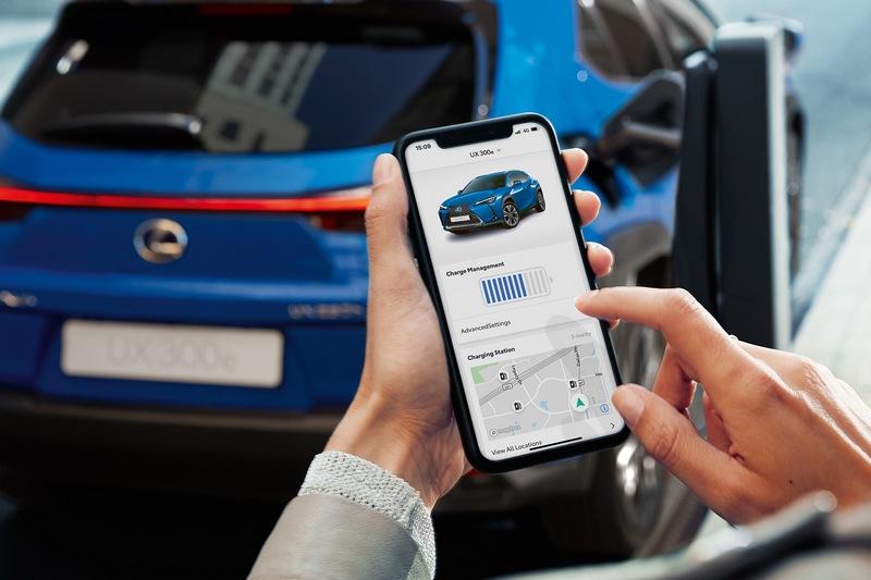 透過手機可以觀看電池存量。