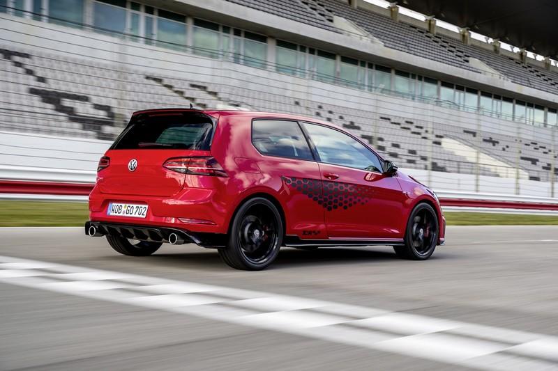 Golf GTI TCR動力調校至290hp最大馬力,擁有0~100km/h 5.6秒實力。
