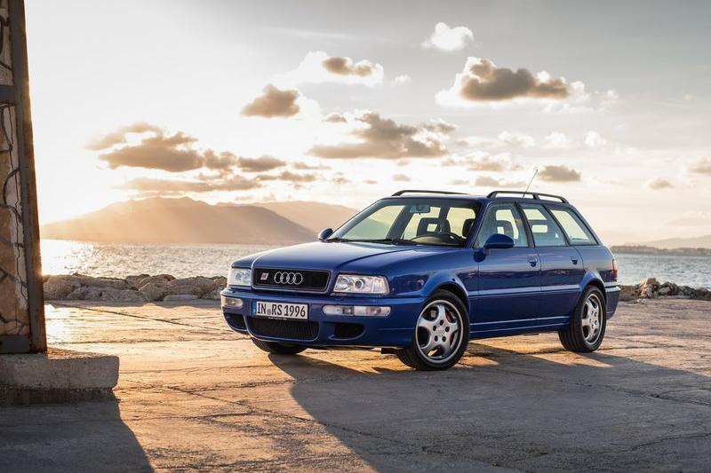 1994年發表的Audi RS2 Avant堪稱「超級旅行車」濫觴,與Porsche合作的渦輪增壓動力更是引人入勝。