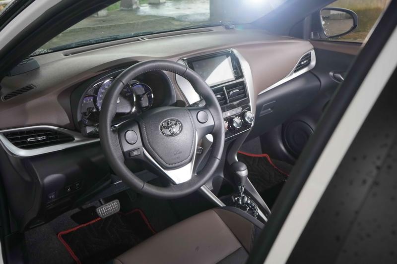 車艙配置幾乎維持原樣,不過在換上咖啡搭配黑色的雙色內裝,視覺感受上變得更為溫馨