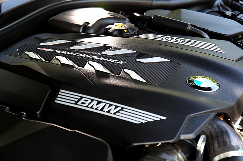 4.4升V8渦輪引擎能提供530hp/76.5kgm強大性能。