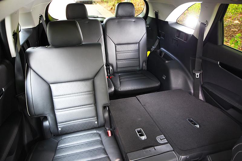 以Sorento尺碼來看,車內三排竟都能提供良好的乘坐環境。