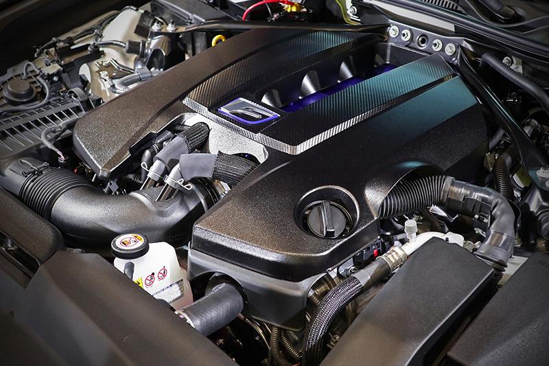5.0升自然進氣V8引擎,最大輸出可達464 PS/7,100 rpm與53.0 kg-m/4,800rpm。