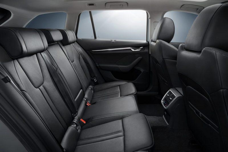 後座因車身尺碼增加使其擁有比以往更出色乘坐空間。