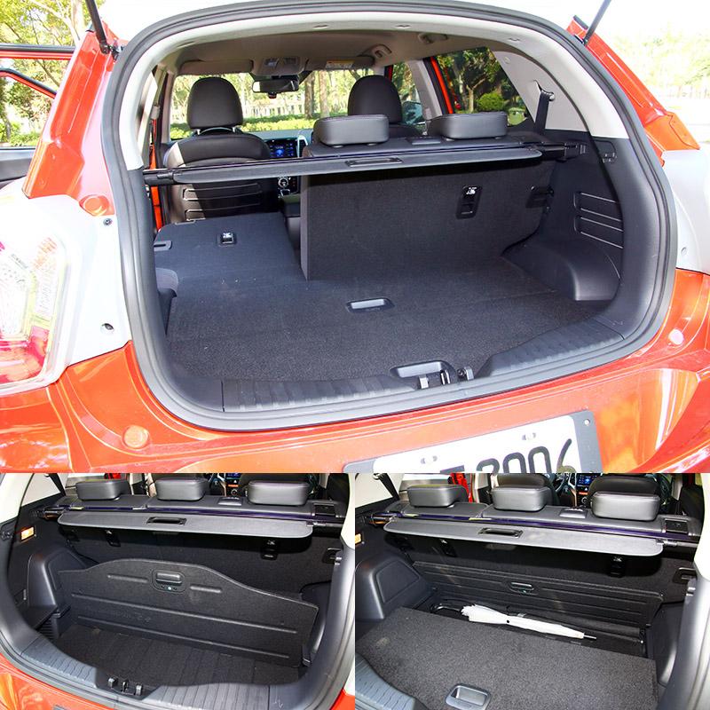 行李廂運載機能也不錯,隔板下方還有兩個置物空間,亦可用隔板來做出空間變化。