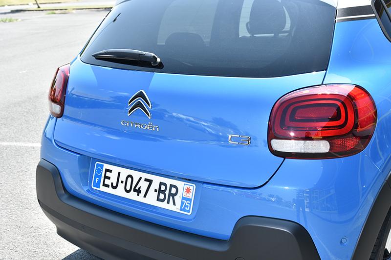 車尾造型渾圓,3D尾燈同樣具有高辨識度。