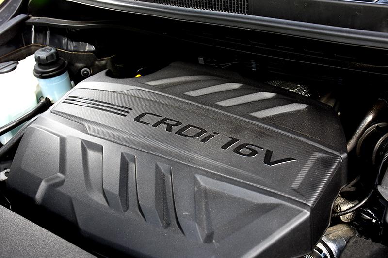 2.2升柴油引擎的200hp/45kgm動力,即便車重達2噸或滿載都仍能有餘裕能量。
