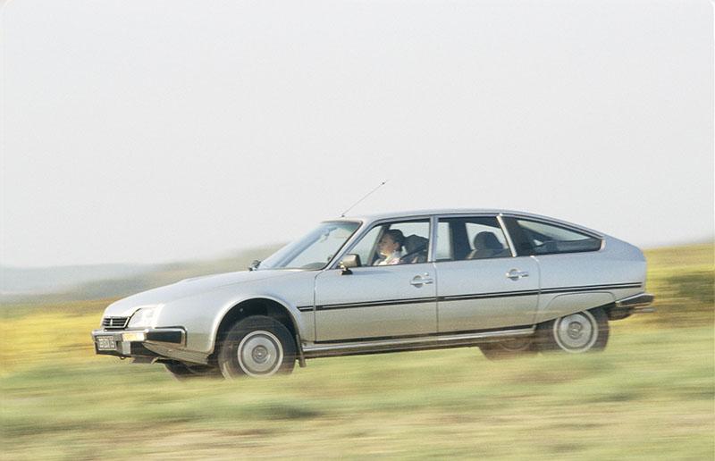 1985年推出的GTi車型導入渦輪增壓技術,220km/h的極速表現引起全球注目。