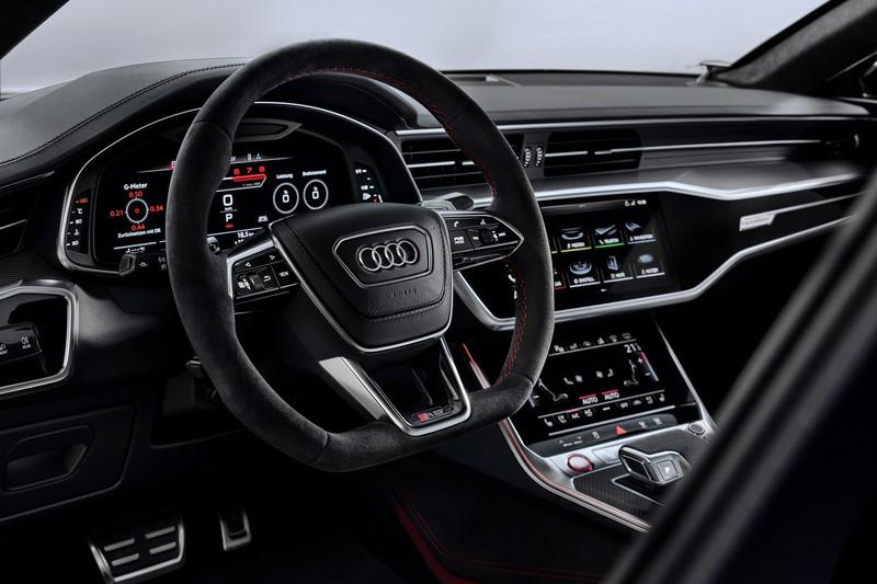座艙則與RS 6 Avant相同充滿著濃厚科技味。