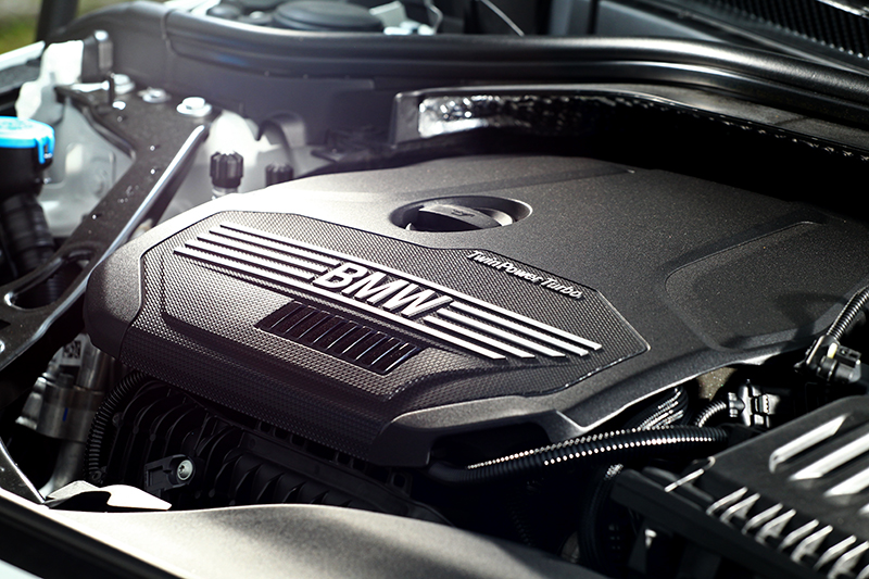 1.5升三缸引擎怠速與加速表現都相當精緻。