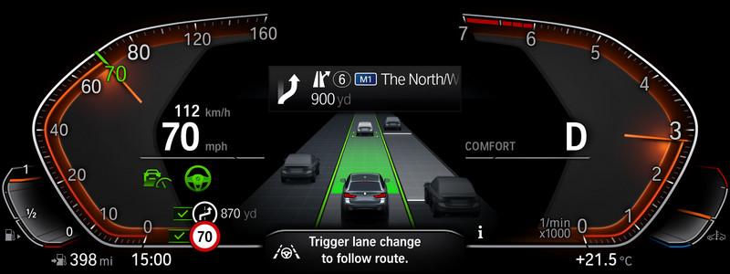 智慧駕駛輔助系統結合道路圖資功能,能判斷路徑調節車速。