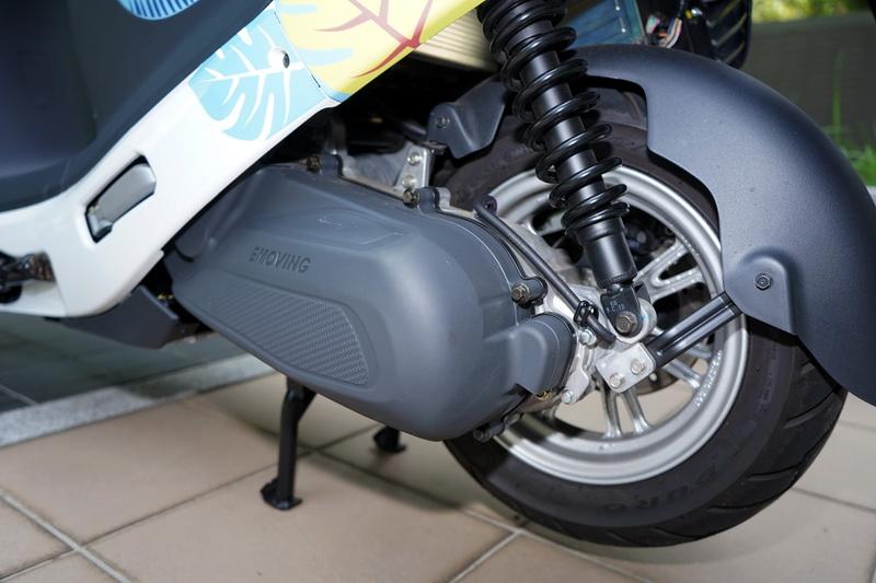 iE125採用6kw的電動馬達,0-50 km/h僅需3.9秒,極速可達100 km/h