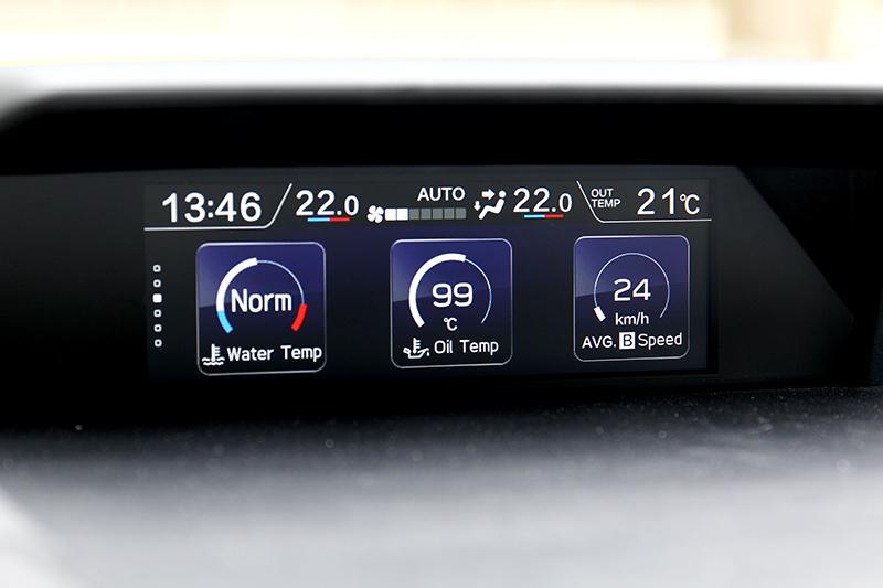 中控上資訊幕除顯示ACC也能觀看油溫、油耗等資訊。