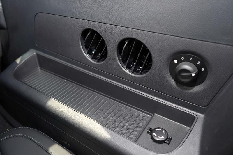 第三排座位不僅有空調出風口,連風量都可有三段控制選擇