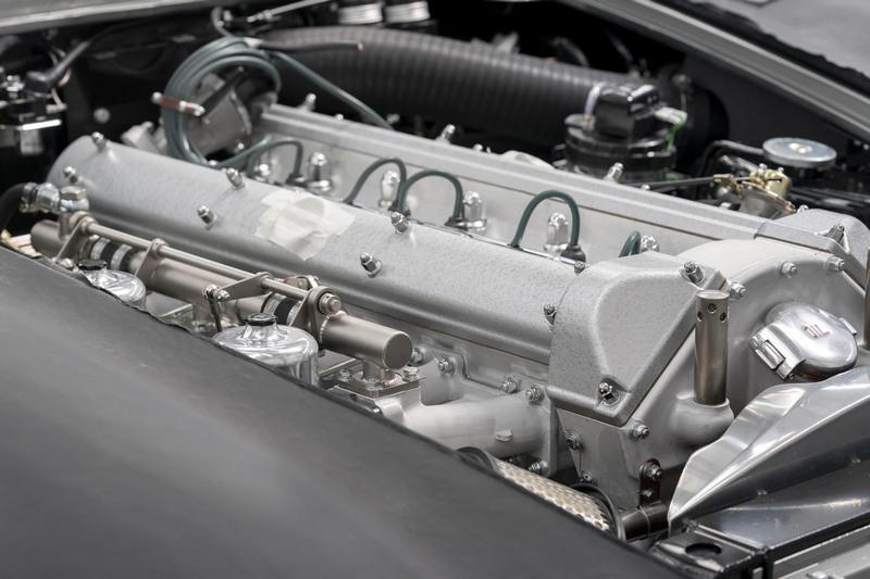 動力也維持4.0升六缸引擎。