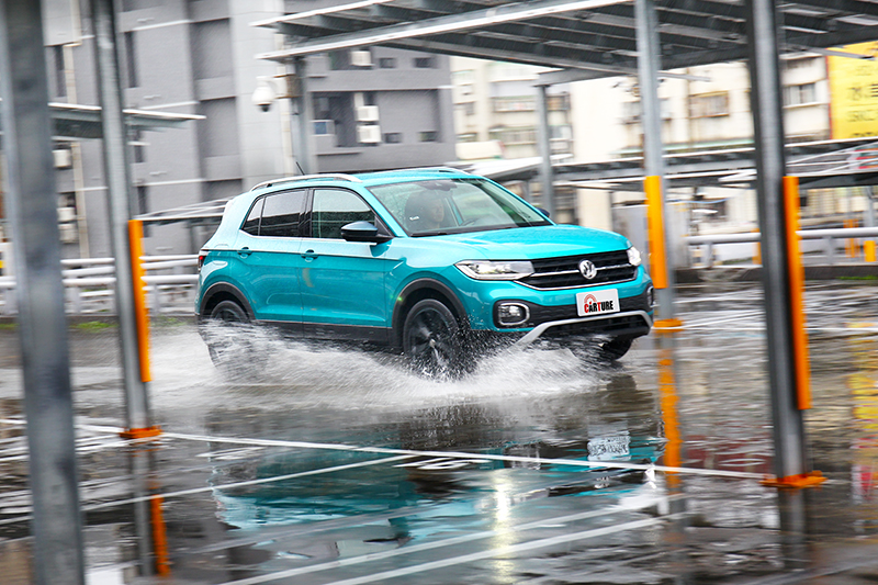 雖然加速感不若Polo、A1等小車強烈,但起步加速仍具備應有的輕盈感