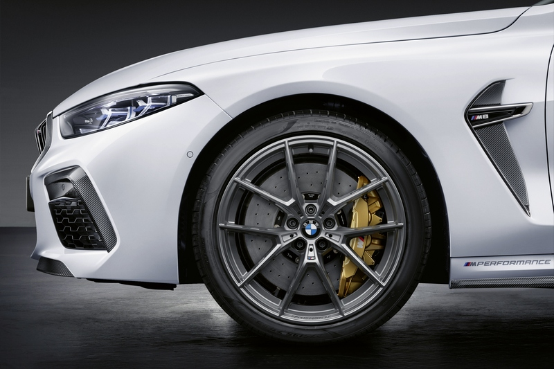 為對應性能M Performance提供煞車性能更高的來令片。