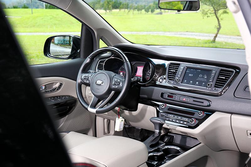 由於並非新世代車型因此座艙沒有過多華麗科幻設計。
