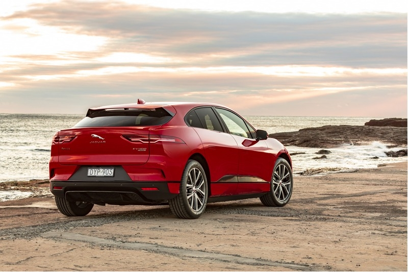 Jaguar認同主流與實用性車款可朝電動化邁進,之後推出的XJ便是採純電系統。
