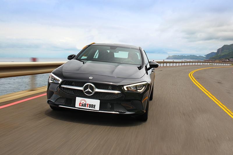 在Dynamic Select系統的協助與不到1.5噸車重的優勢下在前期加速倒是頗為輕快