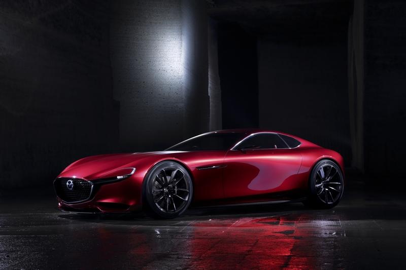 影片後段都圍繞在RX-Vision概念車,這是在暗示轉子引擎與跑車要來了嗎?