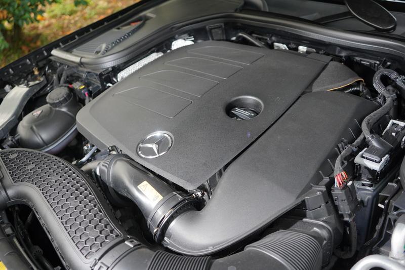 CLS 350捨棄V6引擎配置,全面改採2.0升渦輪增壓引擎搭配電動馬達
