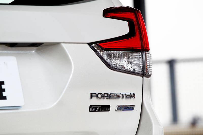 車尾附上彰顯身分的GT Edition銘牌。