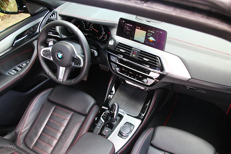 新世代X4更精緻高級的座艙著實讓我喜愛。