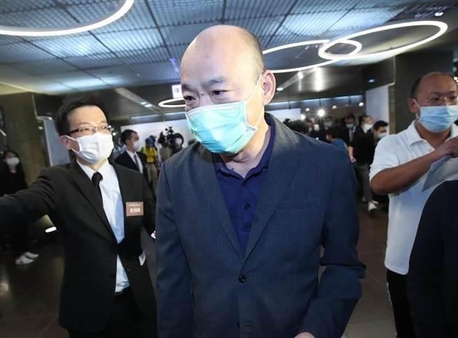 高雄瑞豐夜市 網友在牆上驚見29字「罷韓懺悔文」 - Yahoo奇摩新聞