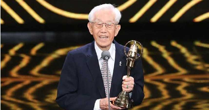 高振鹏3年前获颁金钟奖特别贡献奖。(图/大爱电视台提供)